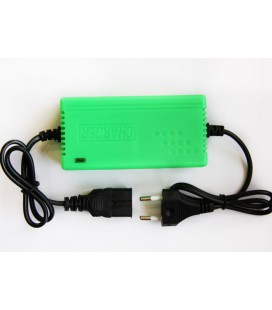 Автоматическое зарядное устройство для литий ионных АКБ на 12v (1А)